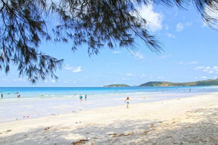 สถานที่ท่องเที่ยวหาดทรายขาว