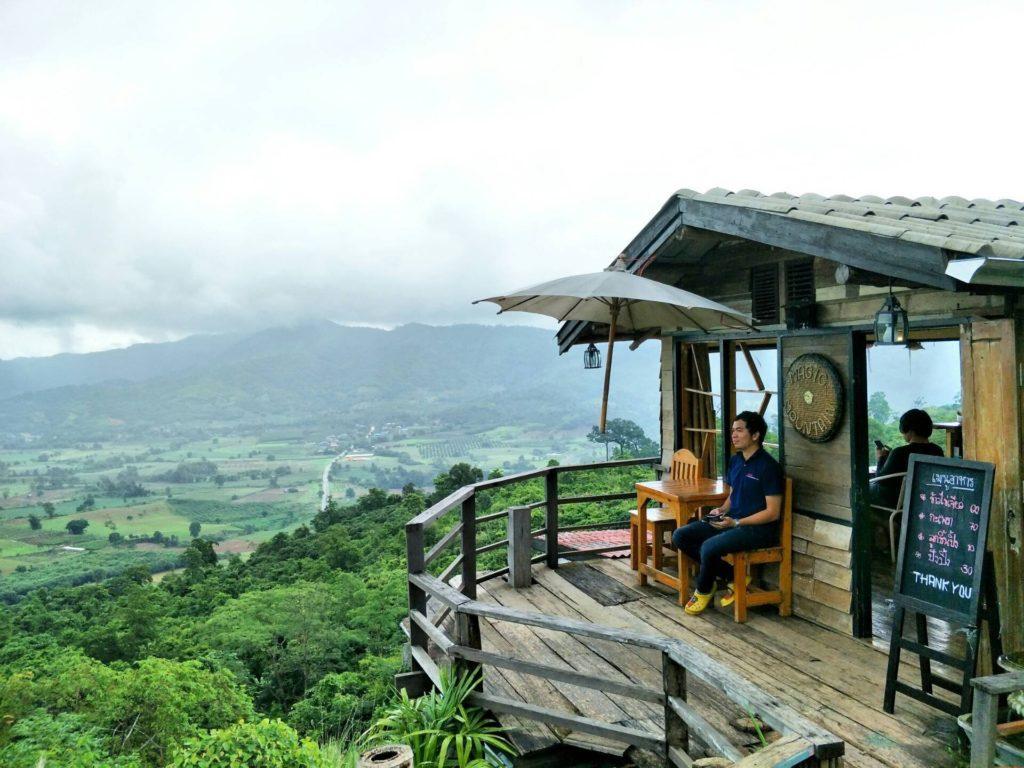 Magic Mountain Home & Cafe