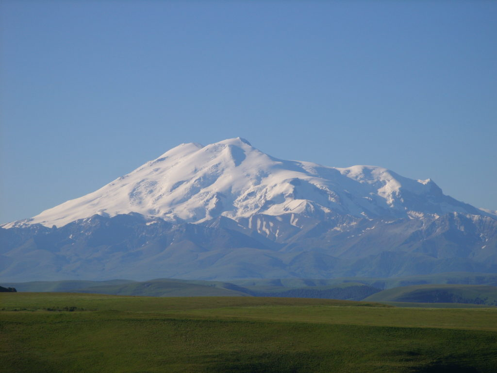 ยอดเขาเอลบรุส (Mount Elbrus)
